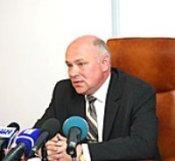 Начальника управления Госкомзема по городу Днепропетровску вынуждают уйти по собственному желанию