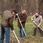 Иван Куличенко и  450 сотрудников горсовета приняли участие в субботнике