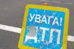 В Днепропетровске пьяный водитель фуры устроил невиданный погром, разбив двадцать машин