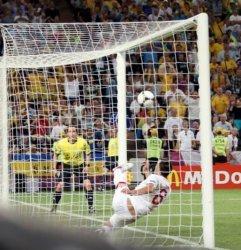 «Слепой» судья, не увидевший на Евро-2012 гол Девича, пошел на повышение
