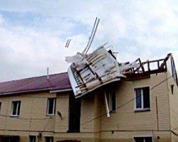 Ураган в Черкасской области оставил людей без крыш.