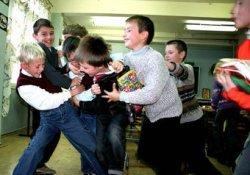 Запорожские школьники устроили тотализатор на драках первоклашек