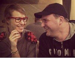 Максим Виторган смеется над беременностью Собчак