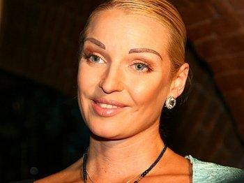 Анастасия Волочкова назвала Пригожина и Валерию политическими проститутками