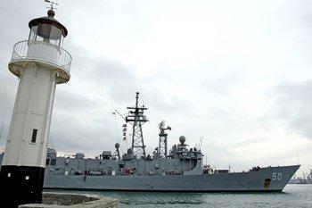 Американский ракетный фрегат Taylor вошел в Черное море