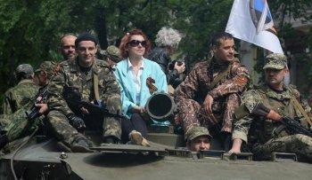 Жители Славянска называют ополченцев своей защитой и опорой