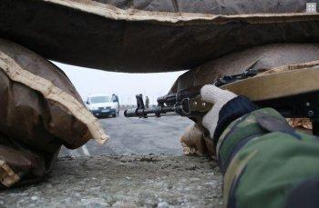 При обстреле части погранслужбы в Луганске ранено 10 военных