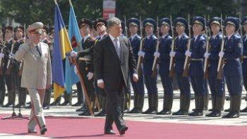 Провинившийся на инаугурации Порошенко солдат отправится на войну
